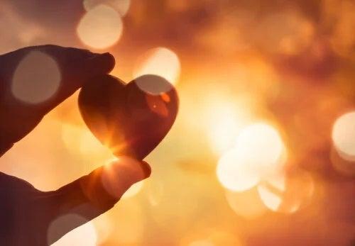 Nu uiți niciodată o iubire, înveți să trăiești fără ea