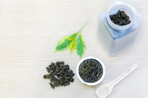 Ceaiul verde și negru reduce riscul de accident vascular cerebral