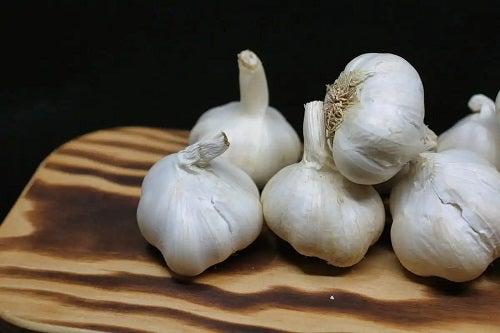 Remedii cu usturoi pentru plămâni sănătoși și curați