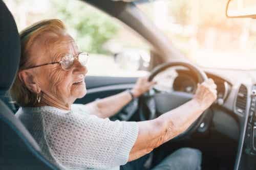 8 semne care arată că este timpul să renunți la condus