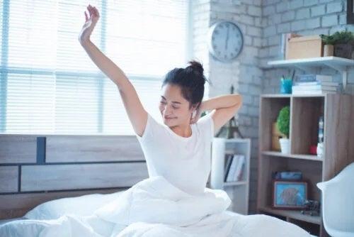 Ritualuri de dimineață care stimulează metabolismul