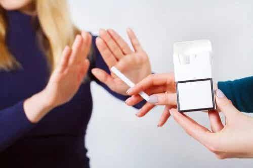 Tutunul crește riscul de boli degenerative: Evitați-l!