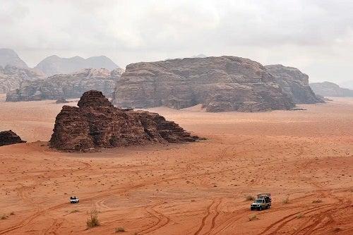 Sfaturi pentru vizitarea unui deșert cu mașina