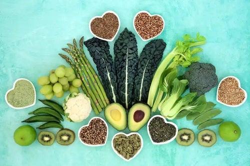 10 alimente antiinflamatoare pe care ar trebui să le includeți în dietă