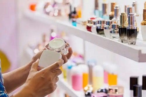 Azbestul din cosmetice: care sunt riscurile?