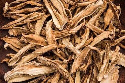 Beneficiile mirodeniei amchoor