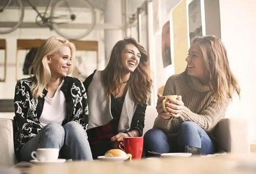 Elimini gândurile negative când ești cu prietenii