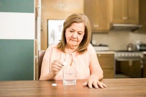 Excesul de bicarbonat de sodiu: efecte secundare și riscuri