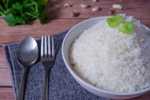 Castron cu orez alb