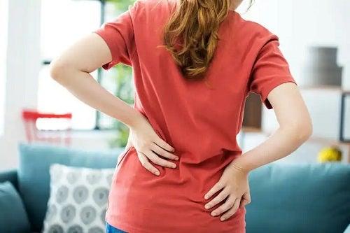 Cum se previn durerile de spate
